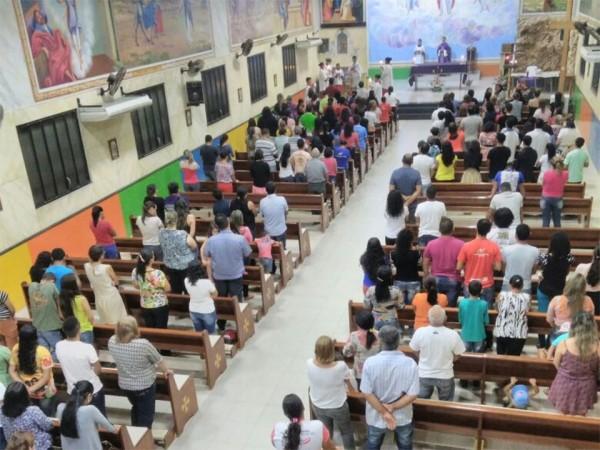 MISSA EM AÇÃO DE GRAÇAS PELA RCC CASTANHAL ACONTECE NA SEDE DA DIOCESE